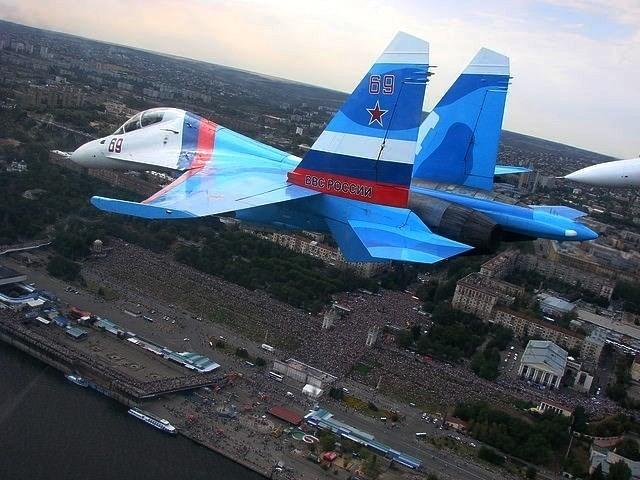 50 самолетов пролетят над Волгоградом в честь 75-летия победы под Сталинградом
