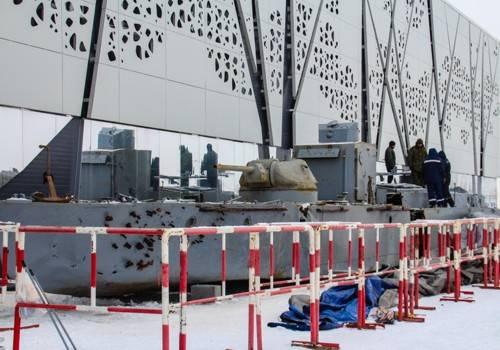 Поднятый со дна Волги бронекатер занял место в музейной экспозиции Волгограда