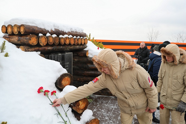 В Волгограде открыт мемориал на месте блиндажа генерала Александра Родимцева