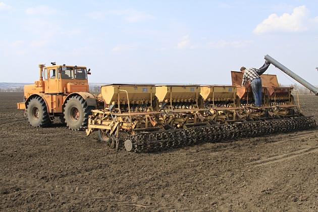 В Волгоградской области посеяно свыше 570 тысяч гектаров яровых